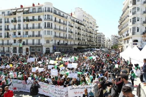 Algérie: les dates-clés d'une contestation populaire massive | Slate Afrique