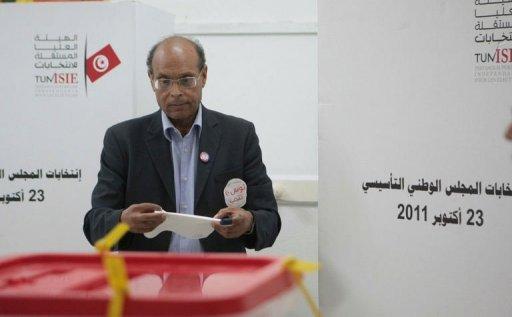 Moncef Marzouki, leader du parti de gauche nationaliste CPR, sa'pprête à voter le 23 octobre 2011 à Sousse, en Tunisie AFP/Archives Bechir Taieb