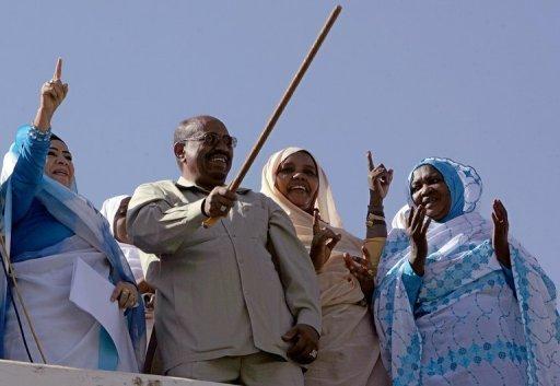 Le président soudanais Omar el-Béchir le 12 mars 2008 à Karthoum AFP/Archives Ashraf Shazly