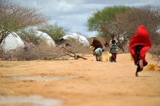 Des Somaliens dans un camps de réfugiés de Dadaab au Kenya le 16 octobre 2011 AFP/Archives Tony Karumba
