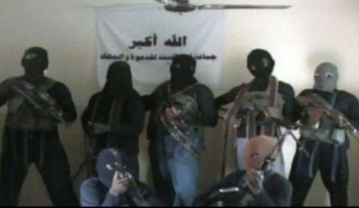 Des membres présumés de la secte islamiste radicale Boko Haram dans cette image du 21 octobre 2010 tirée d'une vidéo. AFP/archives Ho