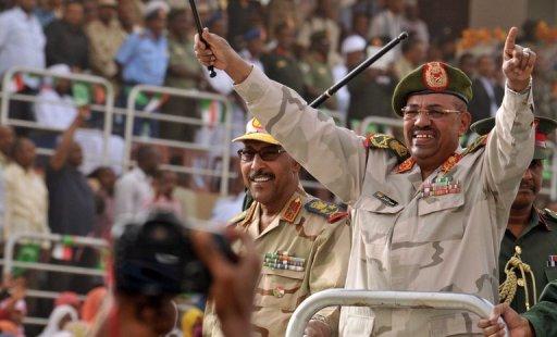 Le président soudanais Omar el-Béchir et son ministre de la Défense à Khartoum, le 3 mars 2012 AFP Ebrahim Hamid