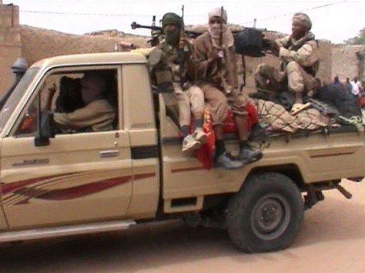 Capture d'écran d'une vidéo montrant des combattants islamistes d'Ansar Dine à Tombouctou, le 3 avril 2012 France2/AFPTV/Archives