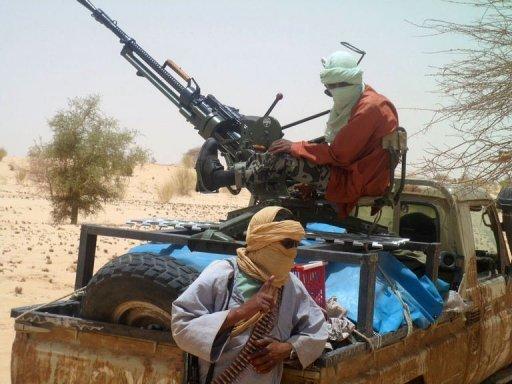 Des rebelles islamistes du mouvement Ansar Dine, le 24 avril 2012 à Tombouctou (nord du Mali) AFP/Archives Romaric Ollo Hien