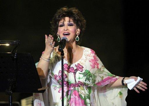 La chanteuse algérienne Warda al-Jazaïria le 28 juillet 2009 en concert à Carthage, près de Tunis AFP/Archives Fethi Belaid