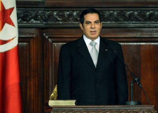 Ben Ali lors de sa 5e investiture en tant que président tunisien, devant le Parlement à Tunis, le 12 novembre 2009 AFP/Archives Fethi Belaid