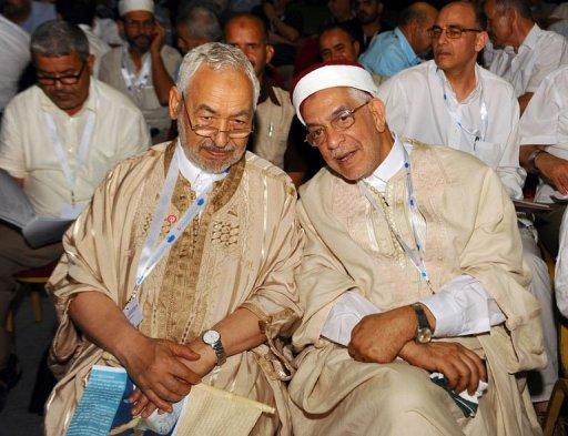 Le leader d'Ennahda, Rached Ghannouchi, (g) en compagnie du co-fondateur du parti Abdelfattah Mourou le 15 juillet 2012 à Tunis AFP Fethi Belaid