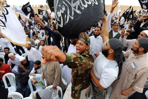 Des islamistes tunisiens manifestent le 20 mai 2012 à Kairouan, au sud de la capitale Tunis AFP/Archives Fethi Belaid