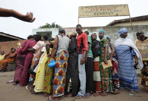 Des Ivoiriens à Abidjan, le 14 octobre 2008 AFP/Archives Issouf Sanogo