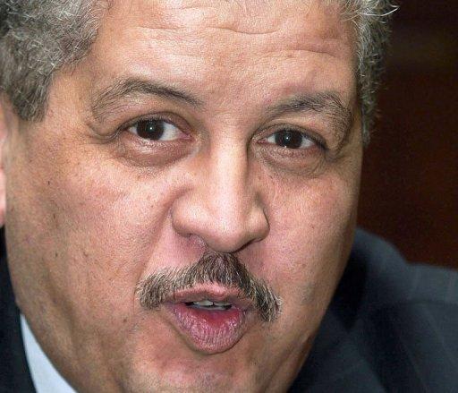 Abdelmalek Sellal, ministre Algérien des Ressources en Eaux, le 29 octobre 2004 à Alger AFP/Archives Hocine Zaourar