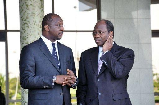 Le ministre burkinabè des Affaires étrangères Djibrill Bassolé (d) et son homologue malien Tieman Coulibaly, le 3 novembre 2012 à Ouagadougou AFP Ahmed Ouoba