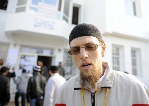 Mohamed Bakhti, porte-parole des étudiants salafistes, le 8 décembre 2011 à Manuba, à l'ouest de Tunis AFP/Archives Fethi Belaid