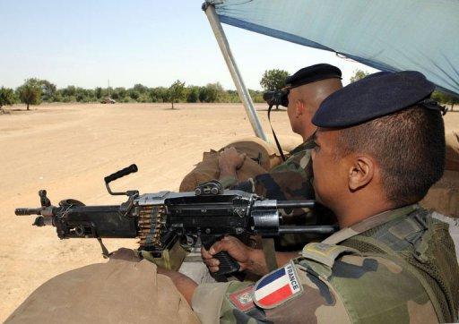 Des militaires français postés à N'Djamena, le 8 février 2008 AFP/Archives Pascal Guyot