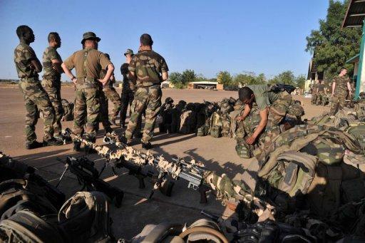 Des soldats du 2è RIMA sont arrivés le 14 janvier 2013 sur une base militaire près de Bamako AFP Issouf Sanogo
