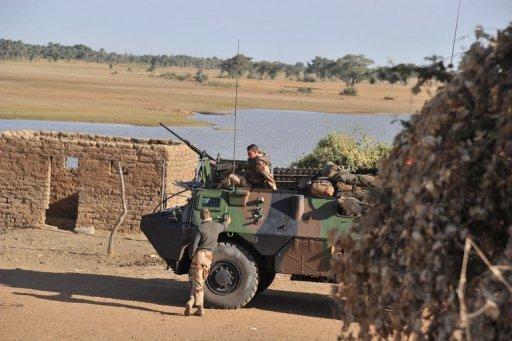 Des soldats français près de la ville de Markala, au nord-est de Bamako, le 20 janvier 2013 AFP Issouf Sanogo