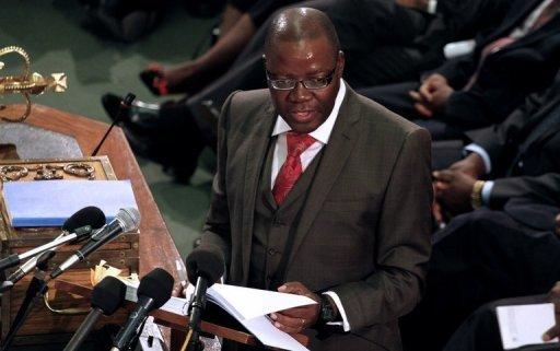 Le ministre des Finances, Tendai Biti, le 15 novembre 2012 devant le Parlement à Harare pour défendre son budget 2013 AFP/Archives