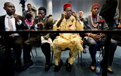 Des fermiers nigérians au tribunal de La Haye, le 11 octobre 2011,  accusent le géant pétrolier Shell d'avoir pollué des villages dans le Delta du Niger en 2005 ANP/AFP/Archives Robin Utrecht