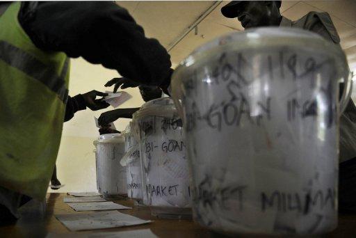 Des Kényans votent lors d'élections primaires, le 17 janvier 2013 à Kisumu AFP/Archives Tony Karumba