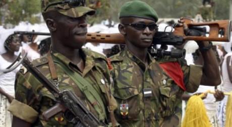 Des soldats lors de la fête nationale à Bangui, REUTERS/David Lewis