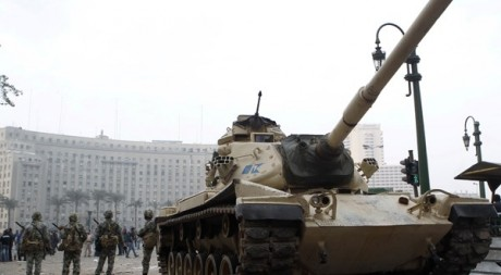 L'armée égyptienne dans les rues du Caire Amr Dalsh / Reuters