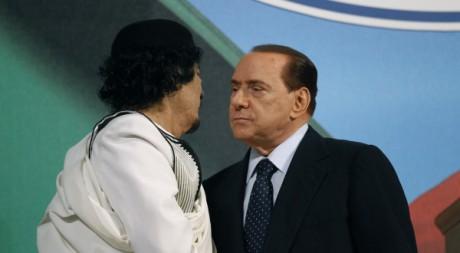 Mouammar Kadhafi et Silvio Berlusconi, le 30 août à Rome, Italie. REUTERS/Max Rossi