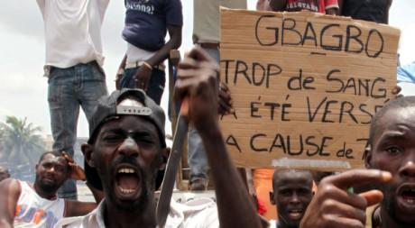 Des manifestants dans le quartier d'Abobo, à Abidjan, Côte d'Ivoire, le 3 mars 2011. REUTERS/Luc Gnago