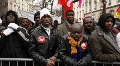 Manifestation de travailleurs immigrés sans papiers, à Paris en 2010. Reuters/Benoit Tessier