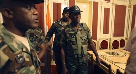 Le chef d'état-major Philippe Mangou en janvier. Le 31 mars, il s'est réfugié à l'ambassade d'Afrique du Sud. Reuters/Luc Gnago