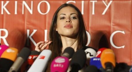 Karima El Mahroug (Ruby) lors d'une conférence de presse à Vienne, le 2 mars 2011. REUTERS/Lisi Niesner