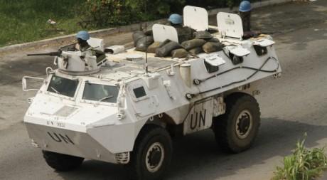 Une patrouille de la Mission des Nations unies en Côte d'Ivoire (Onuci), Abidjan, 7 avril 2011. Reuters/Luc Gnago
