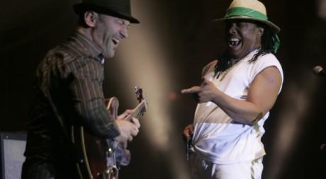 Le chanteur malgache Fenoamby lors de l'édition 2009 du festival Mawazine. Reuters/Rafael Marchante