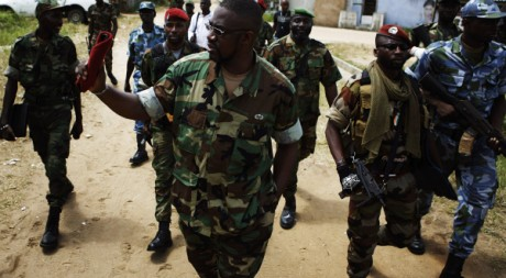 Ibrahim Coulibaly et son commando invisible à Abidjan le 19 avril. Reuters/Finbarr O'Reilly