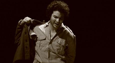 Djalil, interprété par Issame Chayle, a retrouvé le journal de son père Maurice. © Bruno Perroud Tous droits réservés