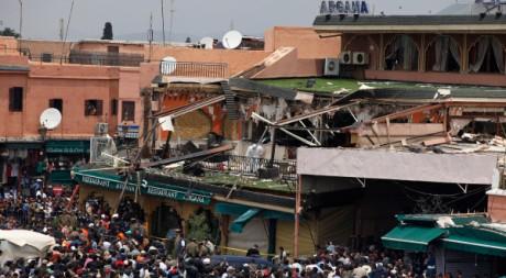 Le café Argana de Marrakech après l'explosion.  REUTERS/Youssek Boudlal