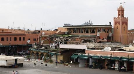 La place Jamaâ-El-Fna de Marrakech évacuée après l'attentat. REUTERS/Youssef Boudlal