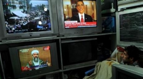 A Kaboul le 2 mai, la télévision diffuse le message de Barack Obama annonçant la mort de Ben Laden. AFP/Massoud Hossaini