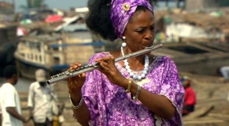 Nathalie Bahati, la flûtiste de l'orchestre symphonique kimbanguiste. © Tous droits réservés
