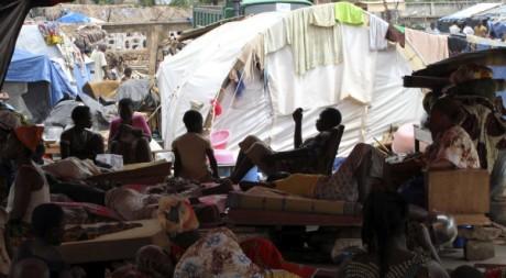 Des réfugiés guéré dans une église de Duékoué, Côte d'Ivoire, le 18 mai 2011. REUTERS/Luc Gnago