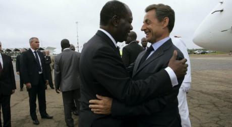 Alassane Ouattara et Nicolas Sarkozy à Yamoussoukro le 21 mai. REUTERS/Str New