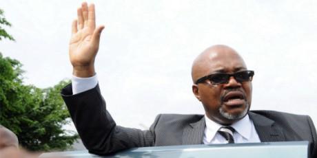 André Mba Obame à Libreville le 4 mai 2011. WILS YANICK MANIENGUI/AFP