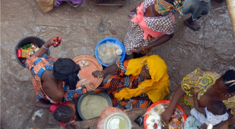 Market in Mopti, Mali, W. Africa, by emilio labrador via Flickr CC