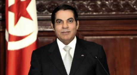 Le président Ben Ali prête serment, le 12 novembre 2009. REUTERS/Zoubeir Souissi