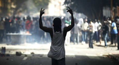 Un manifestant à Dakar, Sénégal, le 23 juin 2011, REUTERS/Finbarr O'Reilly