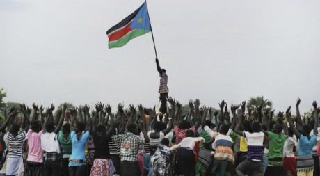 Le drapeau du Sud-Soudan flotte sur Juba. Juillet 2011 © Ho New/REUTERS