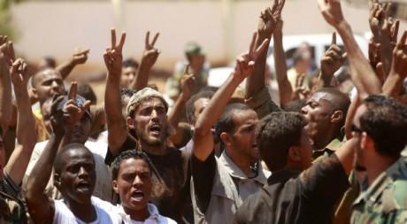 Des rebelles libyens à Benghazi, juin 2011. © REUTERS/Thaier Al-Sudani