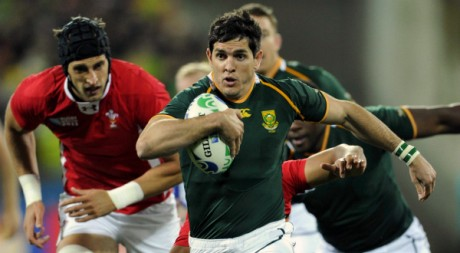 Jaque Fourie, des Springboks sud-africains, contre le Pays de Galles  Wellington, le 11 septembre 2011. REUTERS/Anthony Phelps