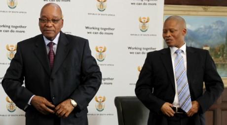 Le juge Mogoeng Mogoeng avec le président Jacob Zuma, Johannesburg, septembre 2011. © REUTERS/Siphiwe Sibeko