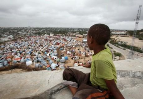 Un camp de réfugiés de la faim, près de Mogadiscio, REUTERS/Ismail Taxta.