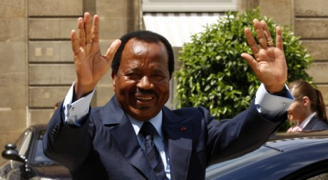 Paul Biya en visite officielle en France (2009) REUTERS/Benoit Tessier