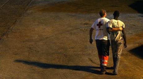Immigré clandestin aux Canaries, 29 août 2006. REUTERS/Santiago Ferrero